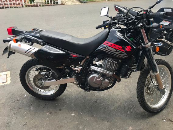 Suzuki Dr 650 Negra