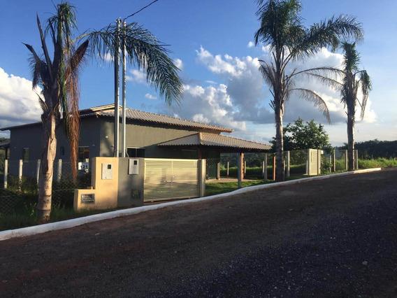 Casa Em Carmópolis De Minas - 3 Quartos, 6 Vagas - 580