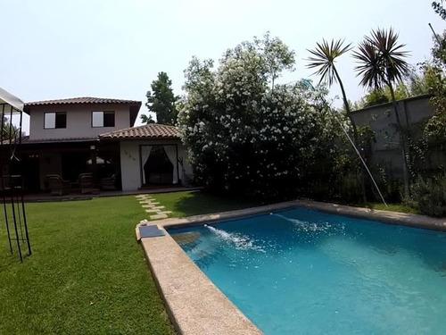 Casa En Venta De 5 Dorm. En Peñalolén