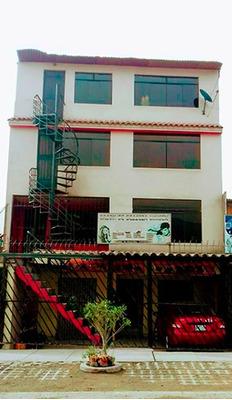 Casa De 4 Pisos En Av. Principal. Vende Propietario.