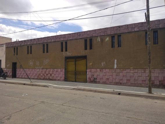 Alquilo Galpon , A Metros De Costanera Norte.