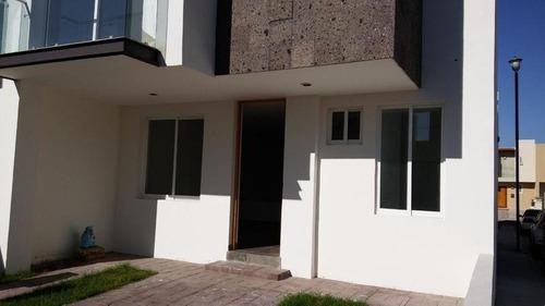 Casa En Renta Rsm En Coto San Quintín Al Sur De Ags