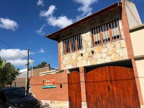 Chalet En Venta En Lomas De Zamora Este