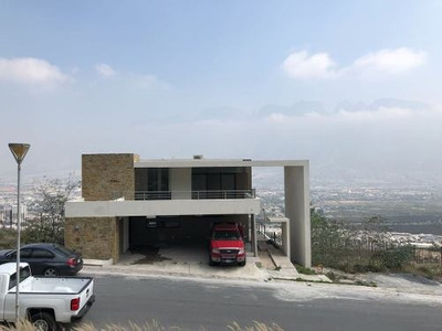 Casa En Renta En Las Fincas Valle Pte.