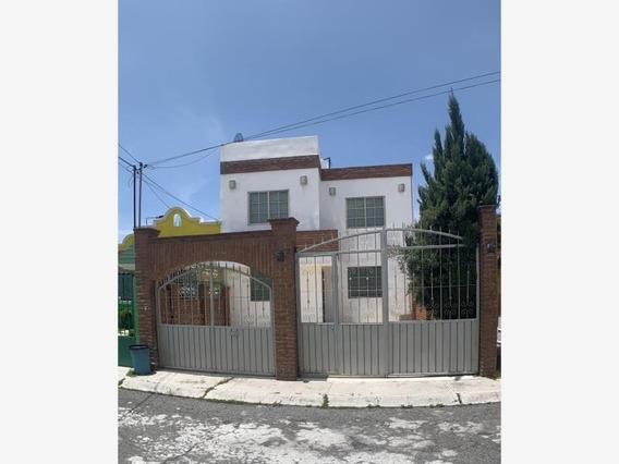 Casa Sola En Venta Pithayas Fracc Privado. Amplio Terreno 212m.