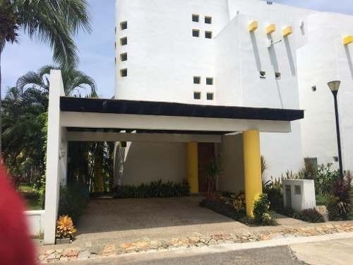 Villa En Venta En Condominio Xcaret Fase 2 Fracc. Acapulco Diamante.