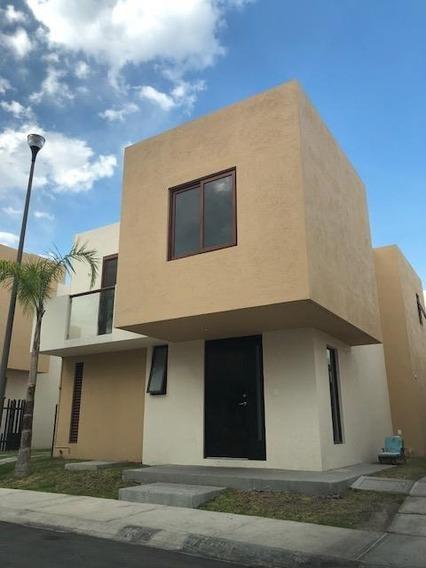 Casa Bonita En Puerta Real Sd