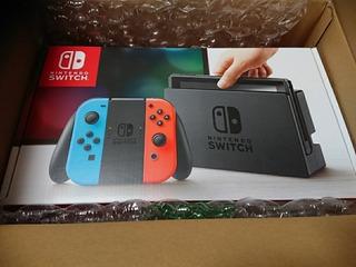 Consola Nintendo Switch Nueva Sellada Con Un Juego
