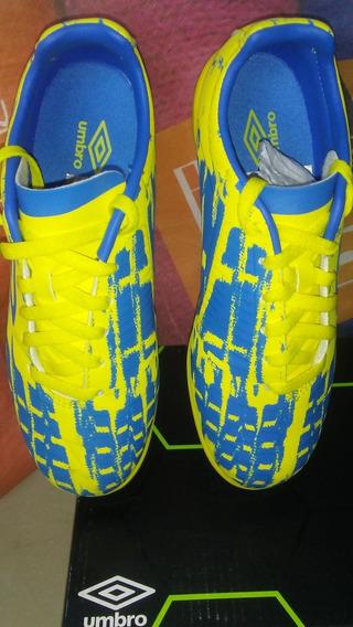 Zapatos Umbro De Fútbol Micro Tacos Niños