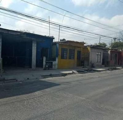 Venta De Terreno Comercial Casi Frente A Cigarrera Por Av. Arteaga, Con 4 Casas Para Demoler
