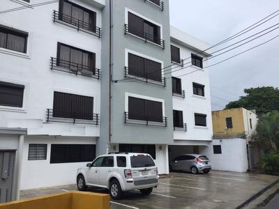 Local Para Farmacia De 85 Metros En Gazcue Prox.a La Gomez