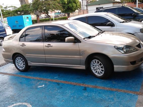Mitsubishi Lancer Mitsubishi Touring 2.0 Sincronico 2011