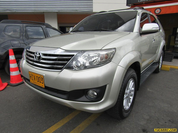 Toyota Fortuner Sr5 2.7 At Urbana 4x2