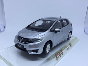 Miniatura Honda New Fit - Paudi Models - 1/18 - Prata
