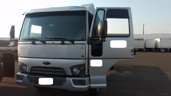 Ford Cargo 11.19 4x2 Ano 2015/16 !!! Leito !!!