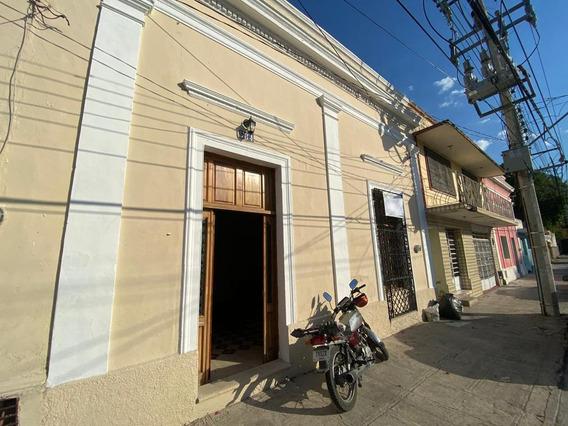 Casa En Venta En Merida, San Sebastian Centro. ¡con Alberca!
