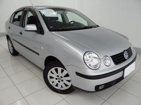 Volkswagen Polo Sedan 1.6 4p