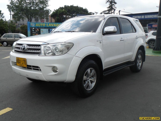 Toyota Fortuner 4x4 Srs