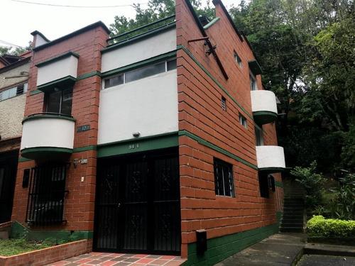 Casa De 4 Habitaciones Y 3.5 Baños