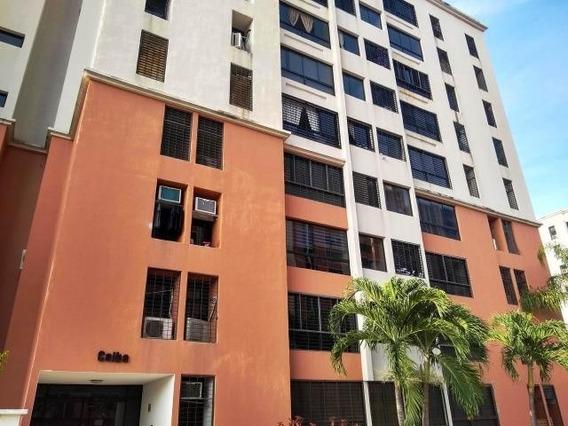 Venta De Apartamento En Urb El Bosque Zp20-8924