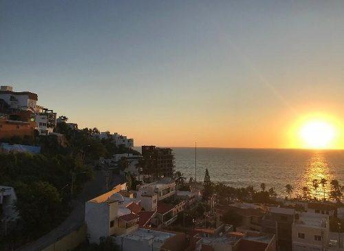 Departamento En Renta Con Espectacular Vista Del Malecón De Mazatlán