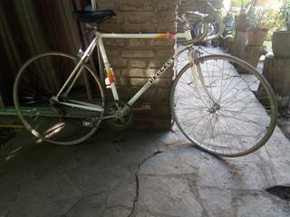 Bicicleta Peugeot.