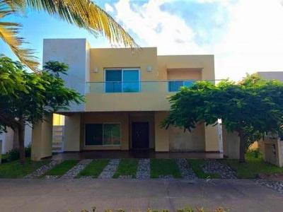 Casa En Renta En Playa Miramar