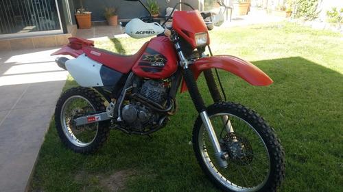 Honda Xr 400 99 Patentada. Titular/particular Vende
