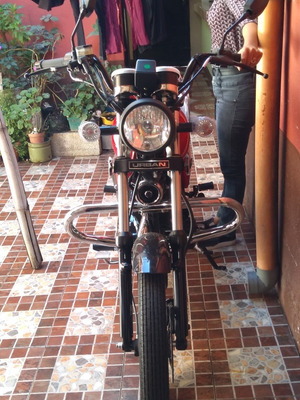 Moto Nueva Akt Único Dueño Poco Negociable Transferencia Mec