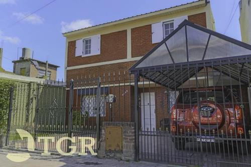 Oport X Viaje - Imponente Casa En Lote Propio. Ideal Dos Familias.