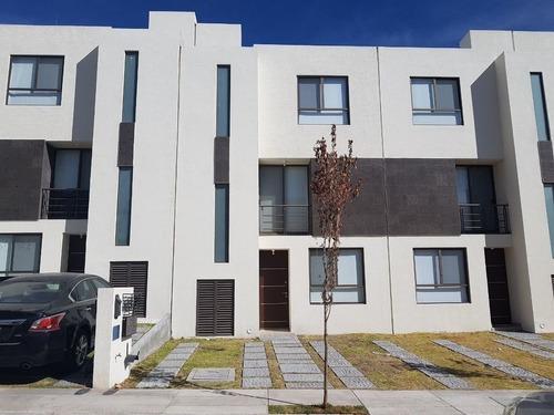 Casa Amueblada Renta Centrica Privada Rimachi Residencial Del Parque Mirador