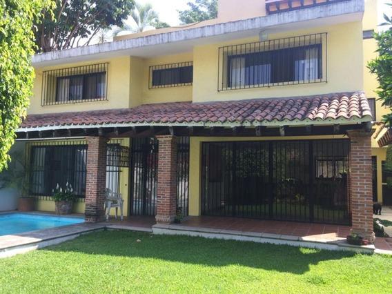 Casa En Fraccionamiento En Palmira / Cuernavaca - Arc-223-fr
