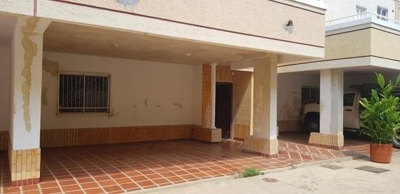 Casa En Alquiler Zona Norte Maracaibo Api 5032