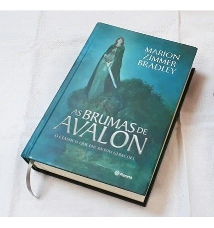Livro As Brumas De Avalon - Volume Único