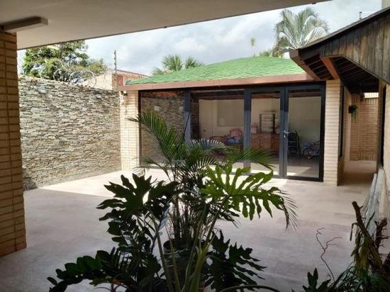 Casa En Venta En El Trigal Norte Valencia Cod 20-8623 Gz