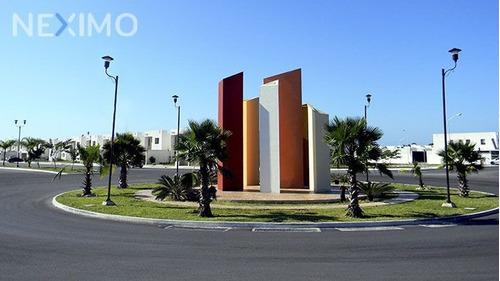 Imagen 1 de 15 de Casa Con Excelente Ubicación En Fraccionamiento Las Américas