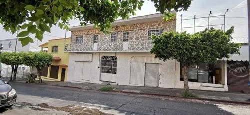 Propiedad Comercial Con Dos Frentes En Av. Morelos Y Obregón...clave 3123