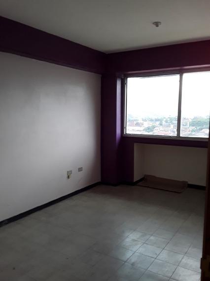Oficina En Alquiler En El Centro De San Cristóbal