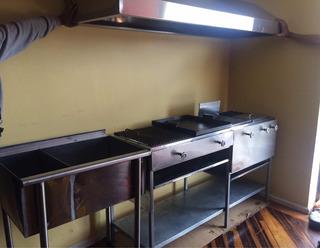 Cocina Industrial Parrillera Plancha Freidora Vapor Hornilla
