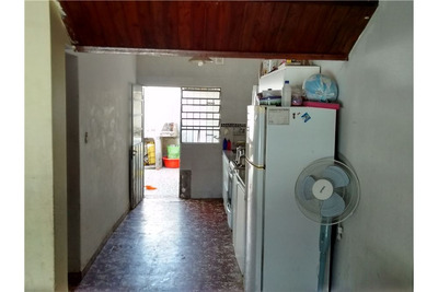 Casa De Dos Dormitorios En Berisso