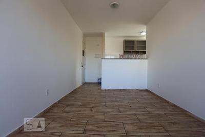 Apartamento No 2º Andar Mobiliado Com 2 Dormitórios E 1 Garagem - Id: 892927576 - 227576