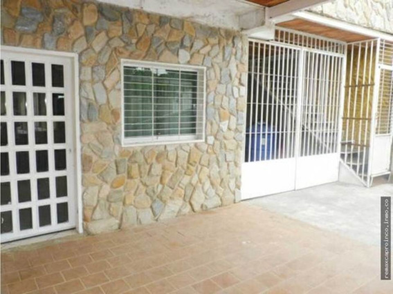 Amplia Casa De 290 M2 En Yagua