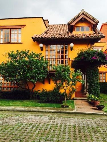 Casa En Venta En Privada Estilo Moderno Mexicana