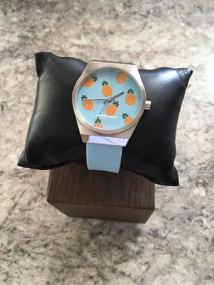 Relógio Azul Claro Abacaxis Tropicália Chilli Beans
