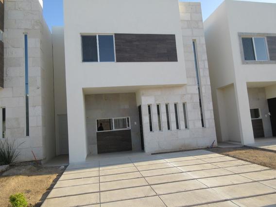 Venta Casa Nueva, 3 Recamaras, Área Común Con Alberca Al Poniente En Hermosillo.