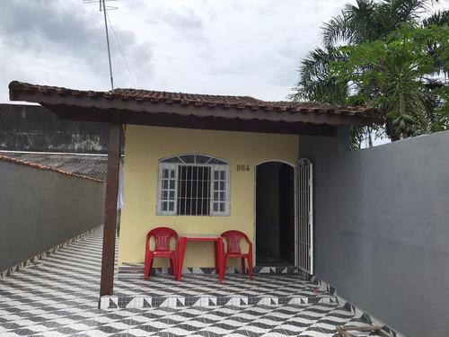 Imagem 1 de 9 de Casa Com Piscina