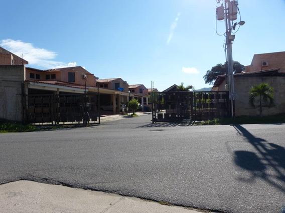 Town Houses En Venta El Remanso Juan Herrera