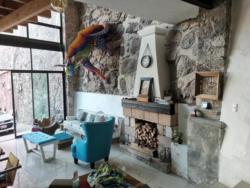 Imagen 1 de 25 de Alebrije House