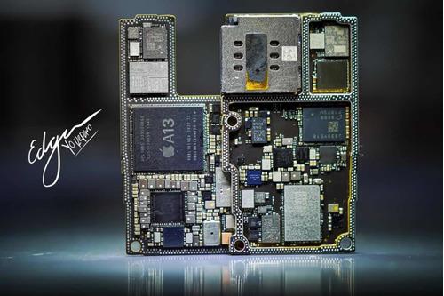 Imagem 1 de 5 de Reparo De Placa De iPhone E Macbook