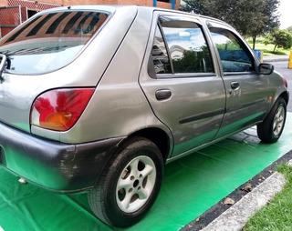 Juego De Tejas Negras Para Ford Fiesta